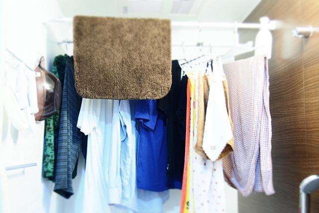 浴室乾燥機では洗濯物が乾かないって本当? 効率よく乾かす方法を伝授