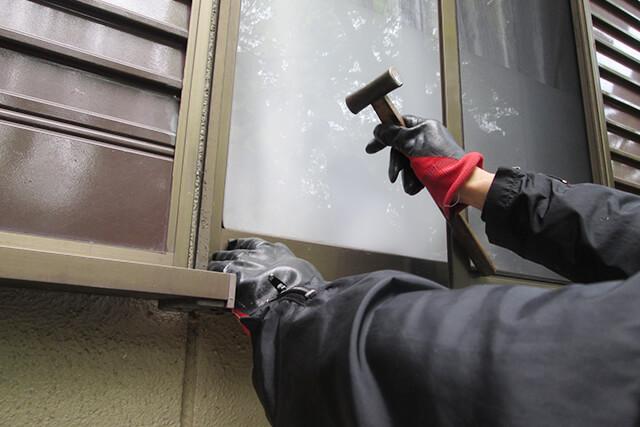 空き巣の侵入経路は窓が多い! 窓の防犯対策を徹底解説