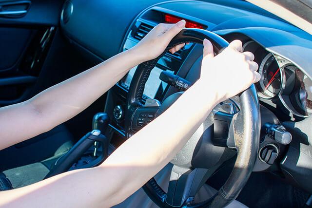 乗ろうとしたら車内が暑い! 車内の暑さ対策(対処法と予防法)