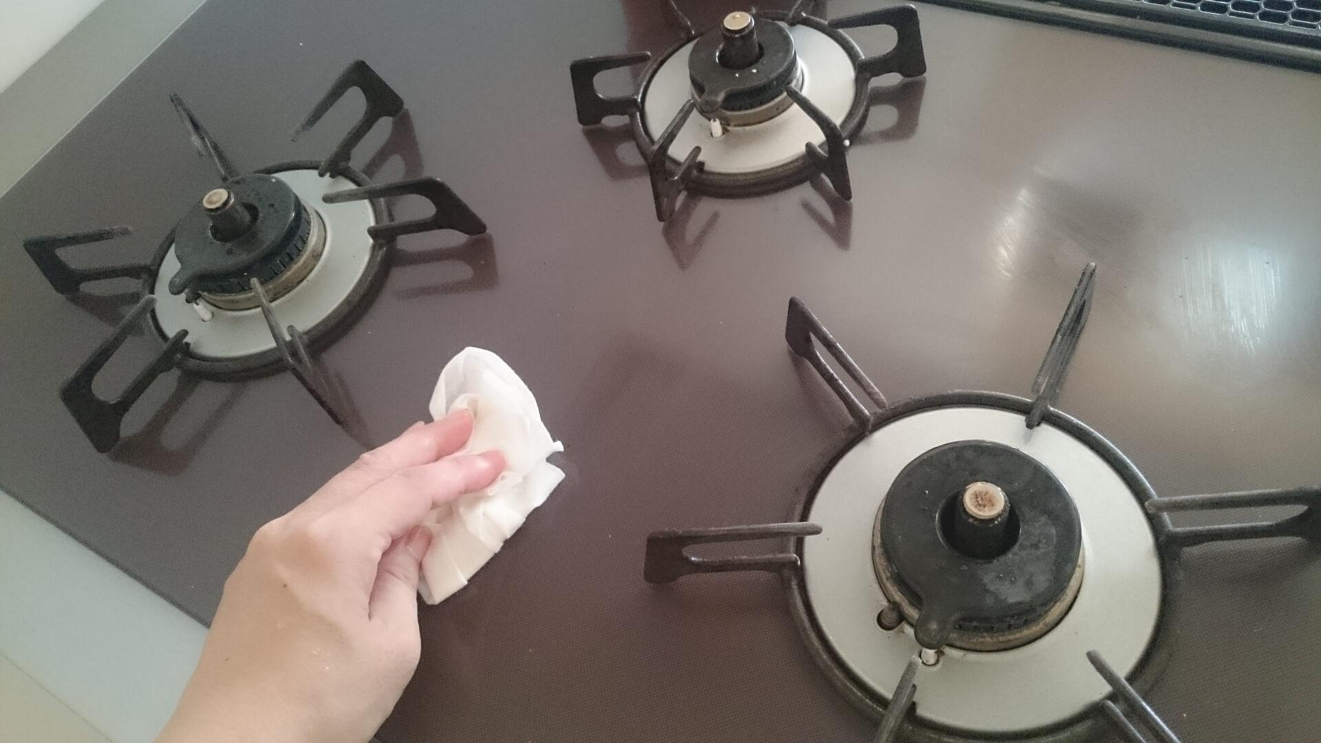 効率的かつキレイにガスコンロを掃除する方法