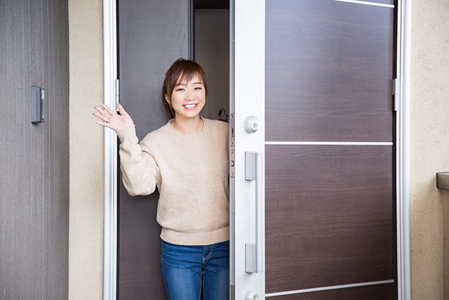 玄関ドアの最適なサイズ・寸法(高さ・幅)とは?