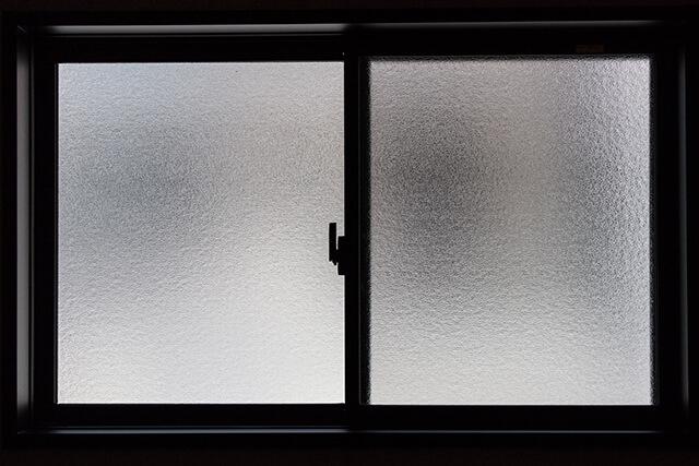窓の断熱フィルムって効果あるの? 内窓などほかの窓の断熱方法も紹介