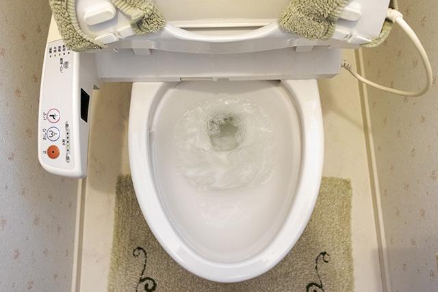 温水洗浄便座(ウォシュレットなど)から勝手に水が出る・水が止まらない原因と対処法