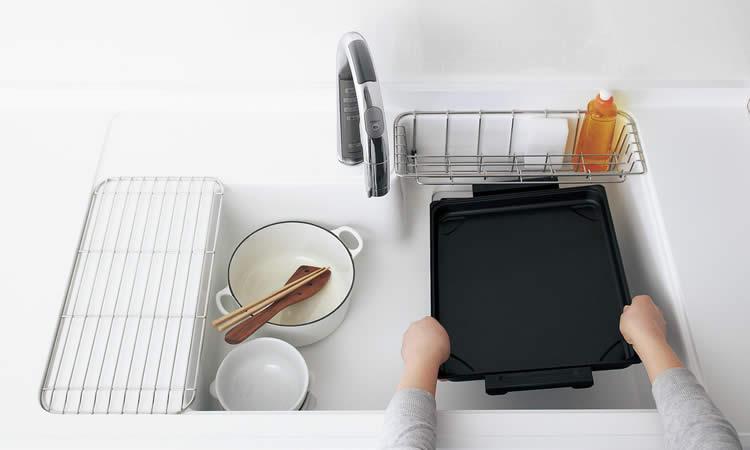 大きな調理器具も、ひろびろ洗えます